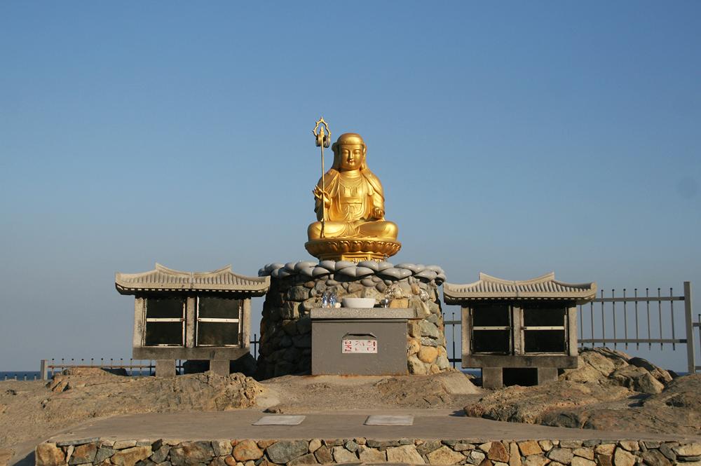 haedong yonggungsa temple busan south korea 해동 용궁사