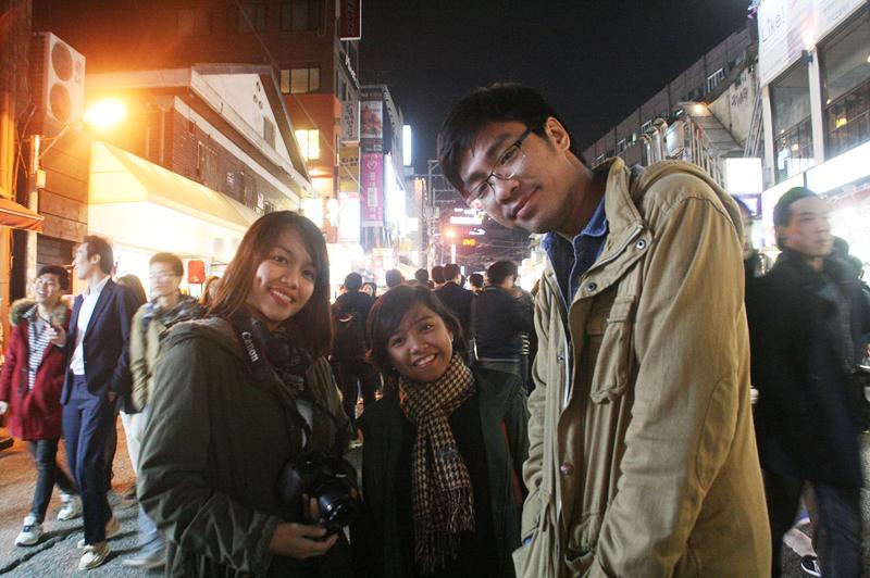 hongdae seoul at night
